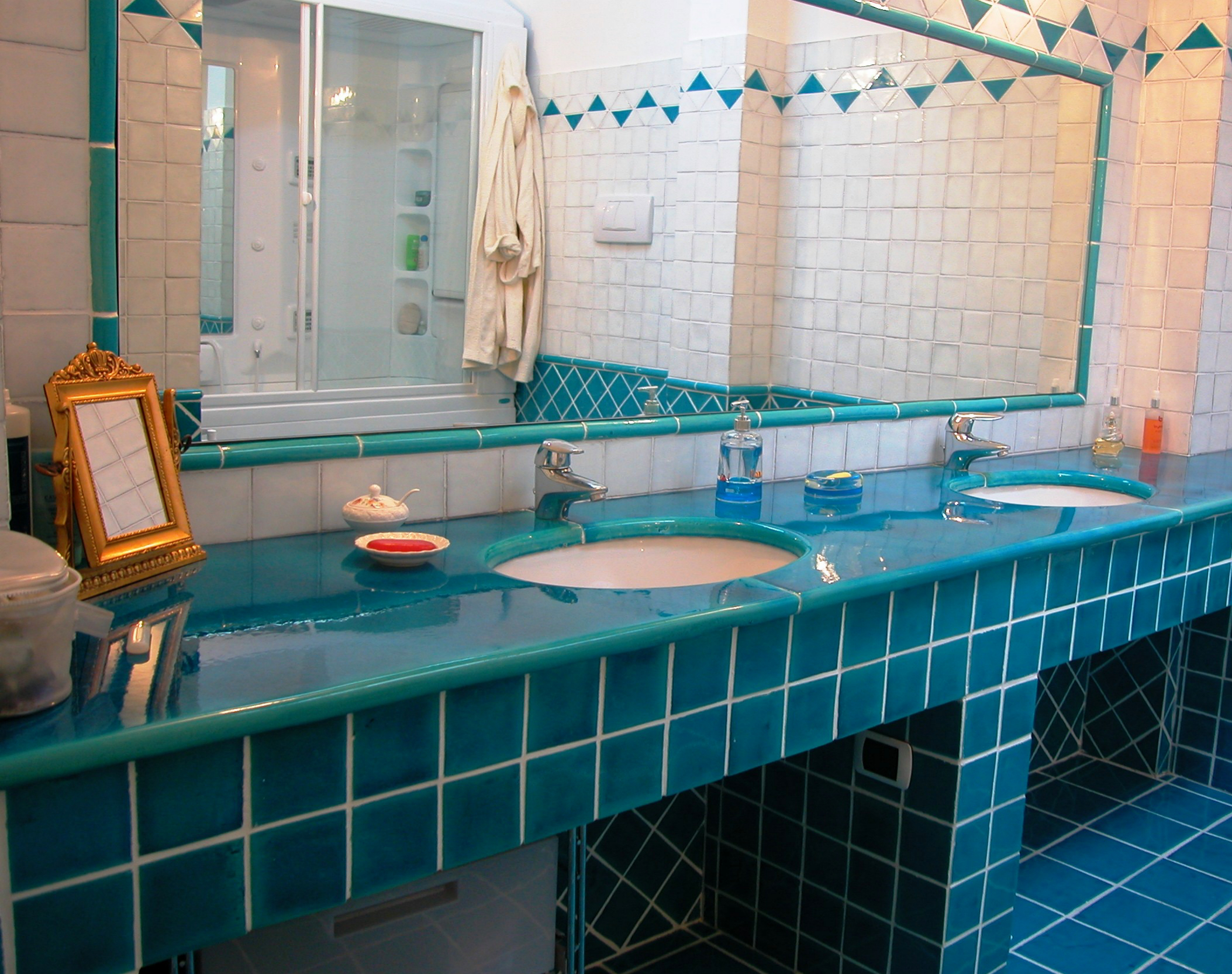 Ambiente Bagno in Maiolica Vietrese